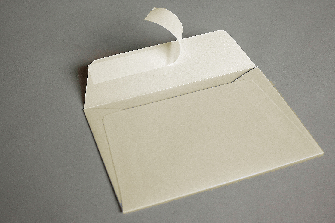 LUXURY CREAM PEARLESCENT (Peregrina Candlelight Cream) 120gsm Peel & Seal Wallet Style Envelopes
