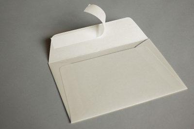 Luxury Ivory Pearlescent (Peregrina Milk) 120gsm Peel & Seal Wallet Style Envelopes
