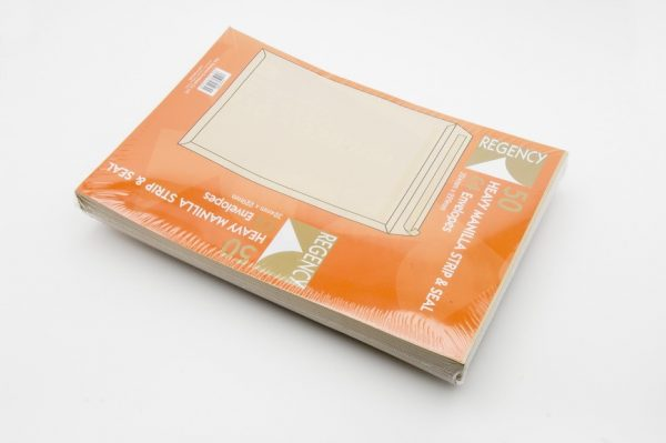 manilla heavey weight peel and seal envelope