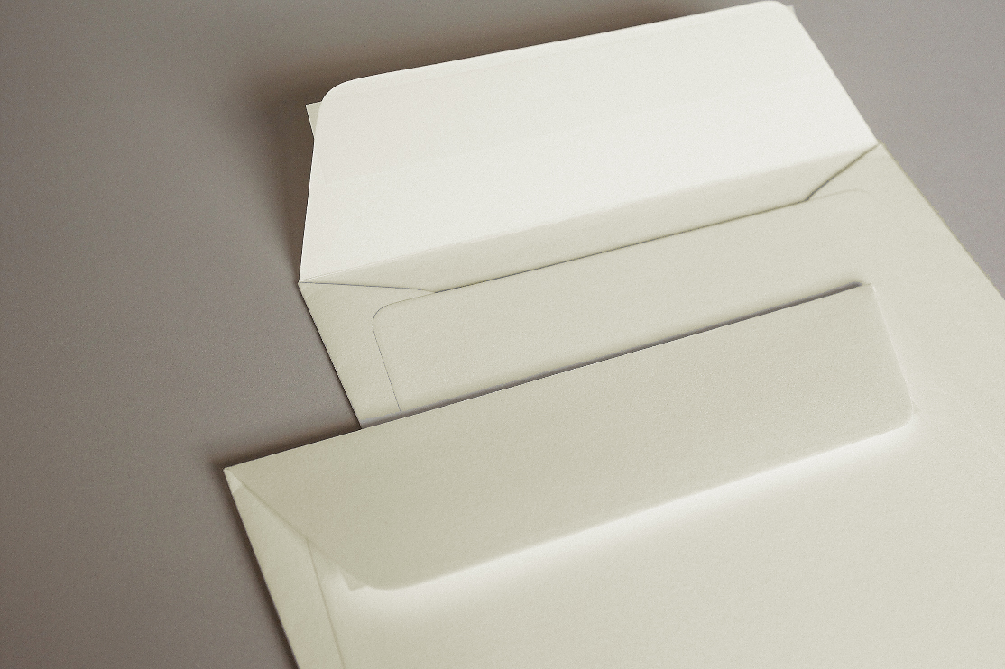 Luxury Ivory Wove (Callisto Diamond Pearl) 135gsm Peel & Seal Wallet Style Envelopes