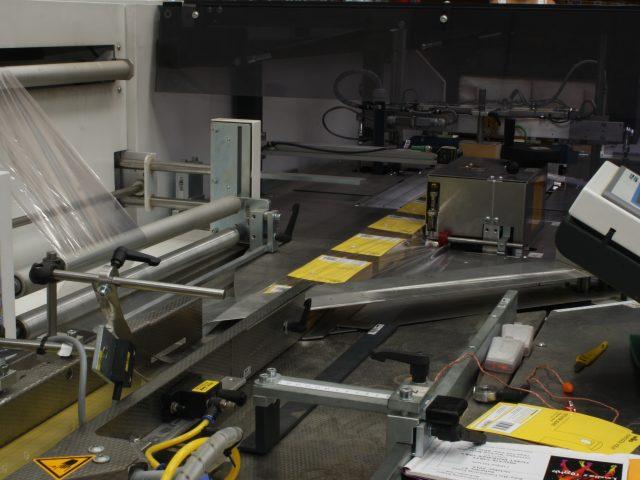 Manufacturing yellow envelopes