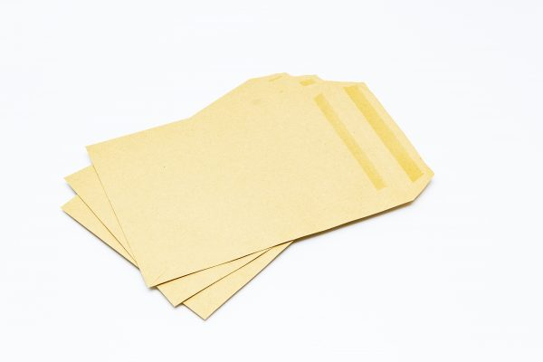 C5 Manilla Peel and Seal Pocket 80gsm
